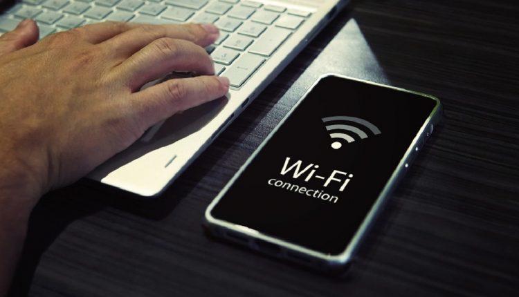چطور شبکه وای فای خود را مخفی کنیم؟